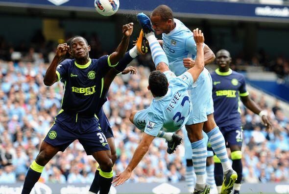 Manchester City jugó de local ante el Wigan y volvió a dem...