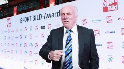 Lattek entrenó a equipos comoBayern Múnich, Borussia Mönchengladbach, B...