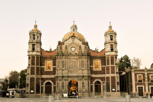 En los años 70 la antigua Basílica se encontraba deteriorada y ante esta...