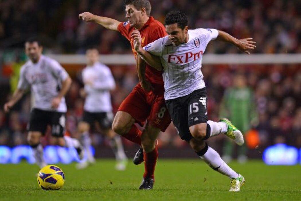 'Stevie G' mostró su liderazgo en el partido de su Liverpool contra Fulham.