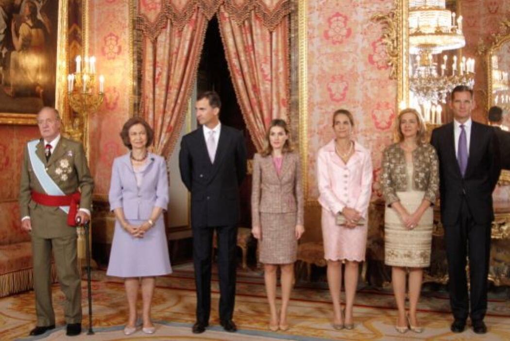 De esta unión nacieron tres hijos, las infantas Elena (1963) y Cristina...