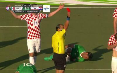 Expulsión!!! Mile Skoric recibe la segunda amarilla y se va del juego