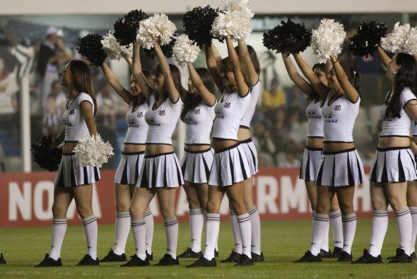 Las porristas del Santos son super reconocidas en Brasil, y los rivales...