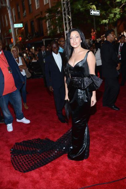Para los premios MTV decidió vestirse de negro y para combinar, también...