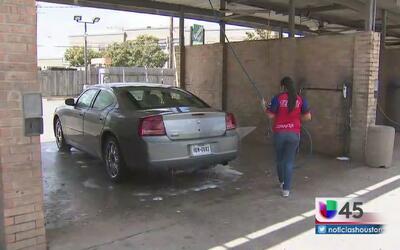 Tras la pista de cuatro sospechosos de robo a lavado de autos