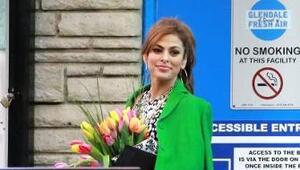 ¿Quién le regaló a Eva esas hermosas flores?