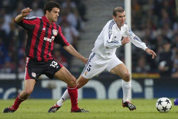 En 2001 Bayern Leverkusen consiguió llegar a la final de la Champions, p...