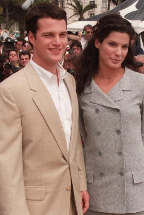 """En su época, cuando protagonizó junto a Sandra Bullock """"In Love and War""""..."""