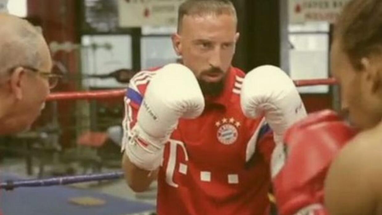El francés aprovechó su viaje a Nueva York para practicar un poco de boxeo.