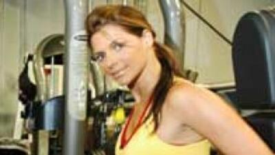 Bárbara suele acudir al gimnasio para mantenerse en forma, pero para su...