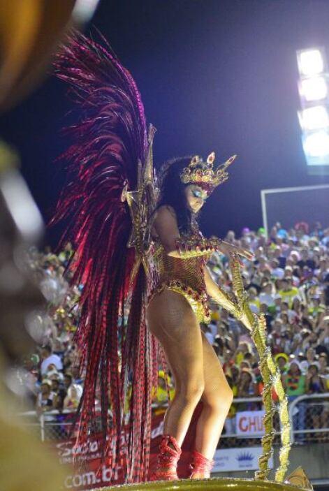 Los asistentes se contagiaron del sabor y ritmo de los bailarines que de...