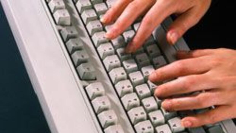 Detuvieron en el Harlem a espia que robaba correos electronicos de sus j...
