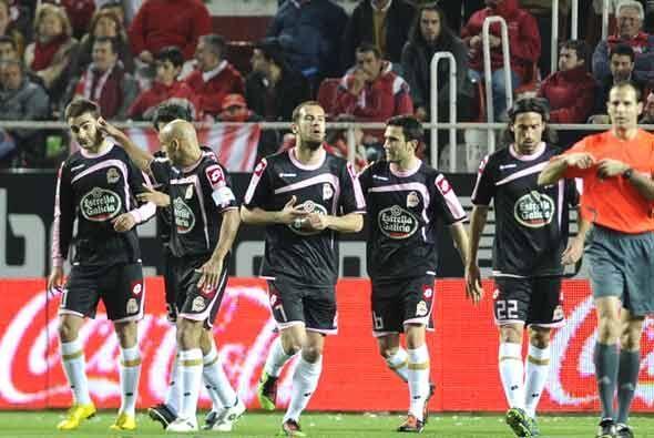 Adrián López anotó a pase del mexicano Guardado para empatar el partido...