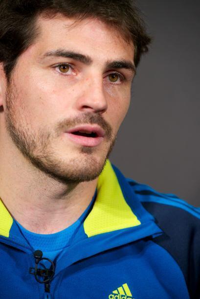El español que arrebata suspiros a montones es Iker Casillas.  Aq...