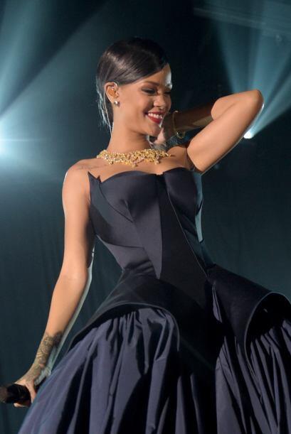 Rihanna es otra soltera que prefiere estar solita a pasar por momentos m...
