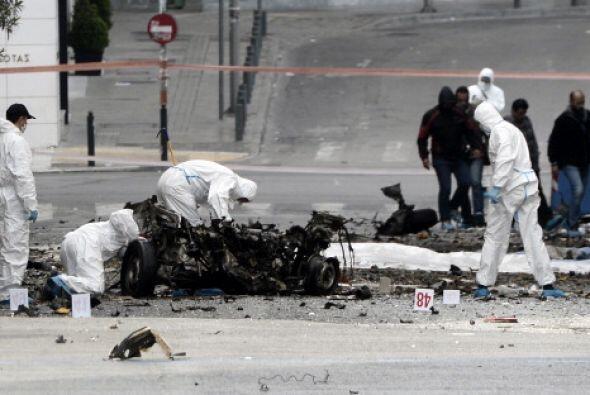 La explosión había sido alertada por un desconocido al per...