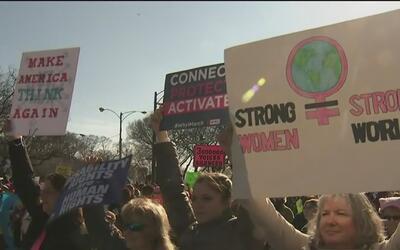 La Marcha de las Mujeres contra Donald Trump en Chicago, la segunda más...