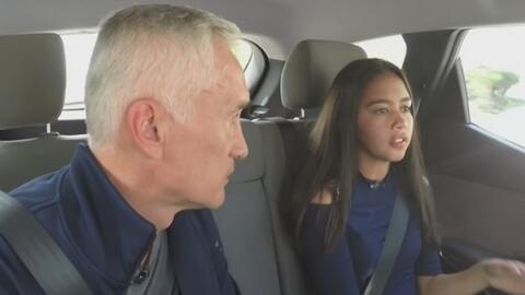 Jorge Ramos habla con la niña que grabó el momento en que agentes de ICE...