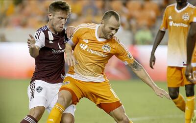 Colorado Rapids y Houston Dynamo, en la lucha.