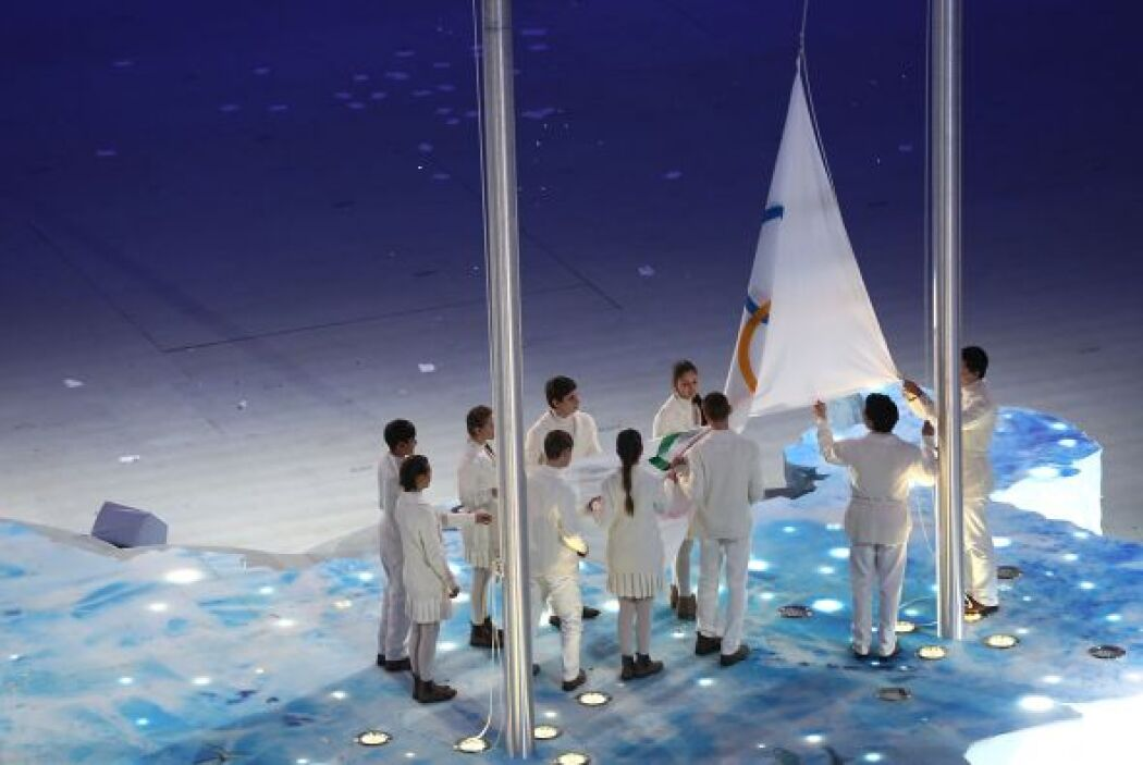 En la inauguración el quinto anillo olímpico de luces no se llegó a desp...