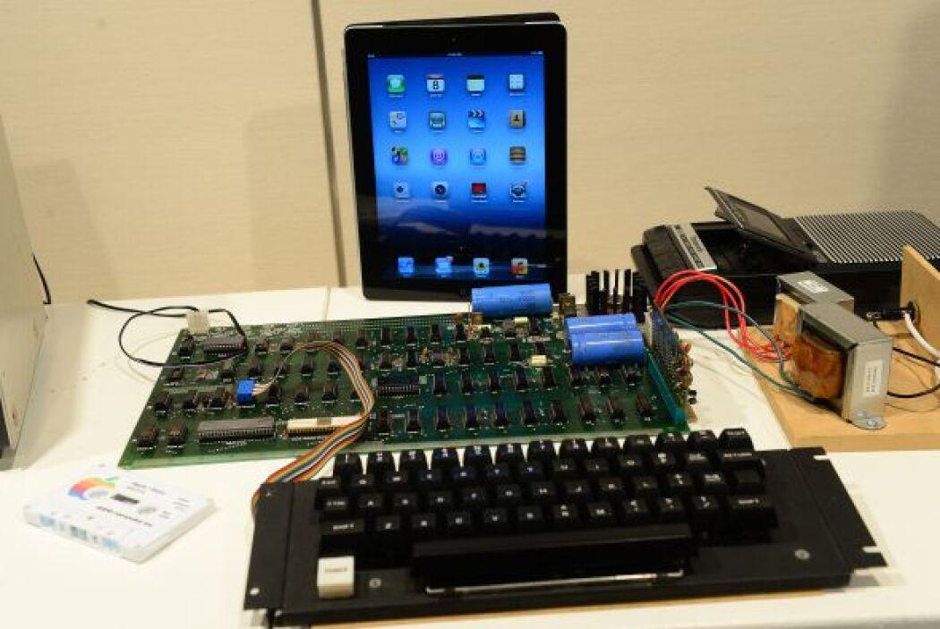 La Apple II fue la primera computadora de la empresa que tuvo producción...