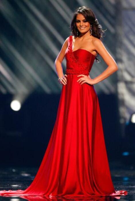 En 2010 se convirtió en Miss Universo.
