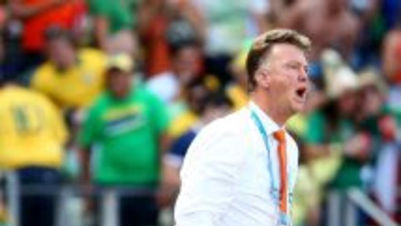 Van Gaal elogió a sus jugadores por la actitud tras el gol.