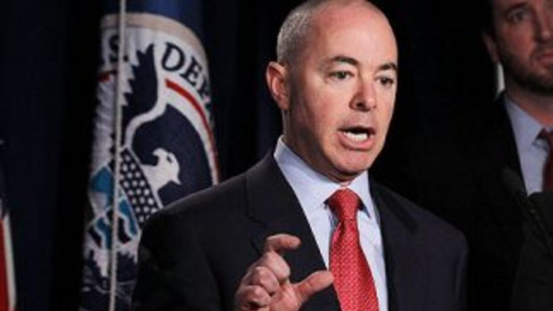 El director de la Oficina de Ciudadanía y Servicios de Inmigración (USCI...