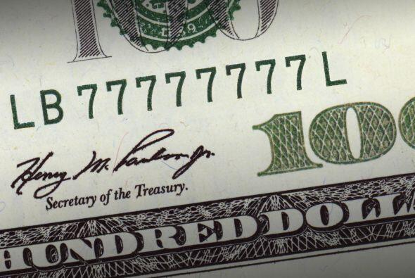 Luego tomarás el billete del dólar y le colocarás d...