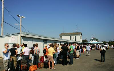 Críticas a la petición de desalojar el sábado los predios de Fire Island.