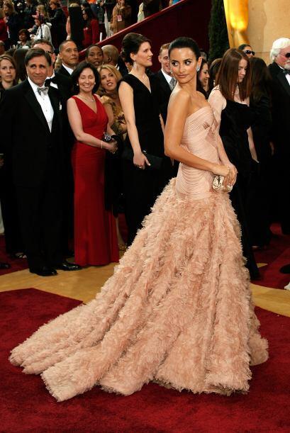"""Uno de sus mejores modelos, el que llevó cuando ganó el Oscar por """"Vicky..."""