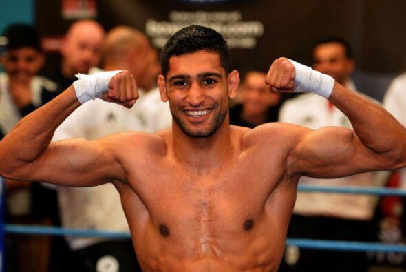 Amir Khan seguro de llevarse la victoria y regresar a las grandes peleas...