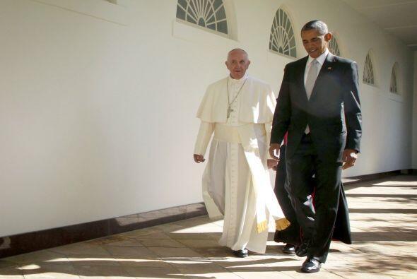 Aquí ambos caminan hacia la Oficina Oval.