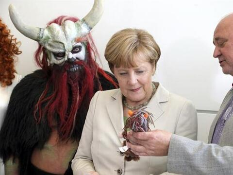 La canciller alemana, Angela Merkel, se reunió con el director Re...