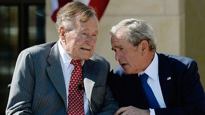 Mejora la salud de George Bush padre