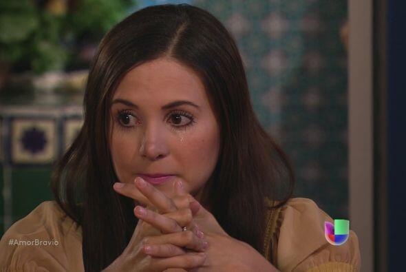 Natalia no sabe qué pensar, quiere creer en su papá, pero...