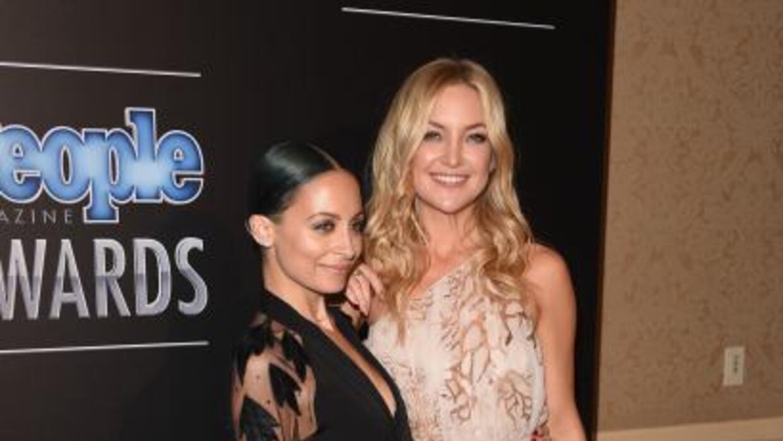 Nicole Richie dio un premio People a su amiga Kate Hudson.