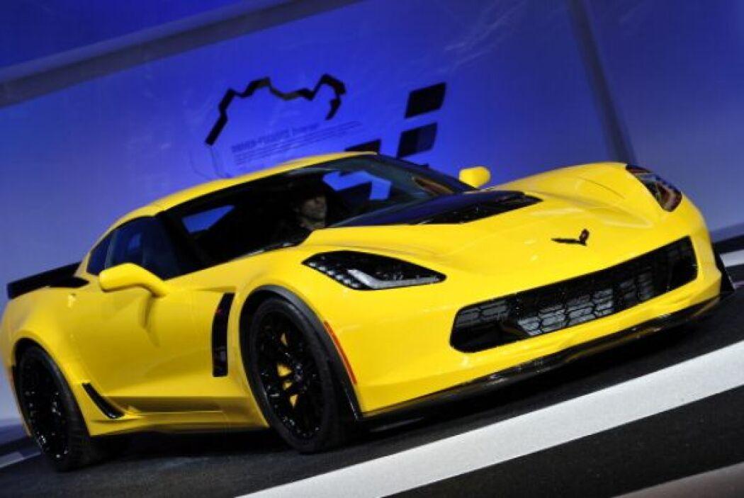 Chevrolet presentó la versión extrema del nuevo Corvette, el Z06 con 625...