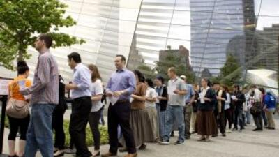 Desde las primeras horas turistas y neoyorquinos se acercaron hasta el M...