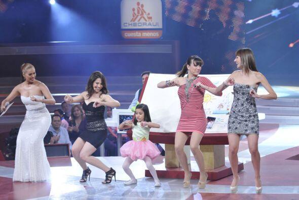 Pero eso no fue todo, la pequeña puso a bailar a las guapas juezas