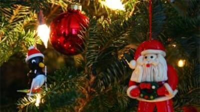 ¿Felices Fiestas o Feliz Navidad? ¿Qué expresión es la que usted dice en...