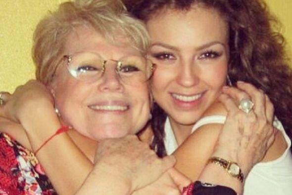 Thalía recordó a su madre, Yolanda Miranda, a dos a&ntilde...