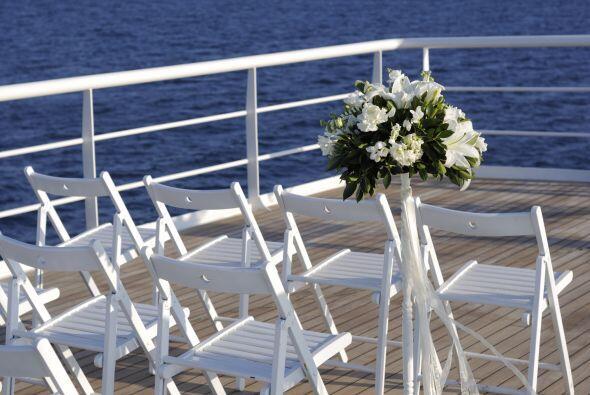 Elige sillas plegables de materiales delgados, pues también se notará la...