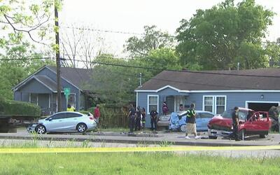 Una mujer pierde la vida en un múltiple accidente en al noreste de Houston