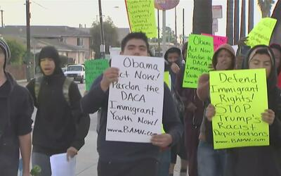 Estudiantes de la preparatoria Washington marcharon para pedirle a Obama...