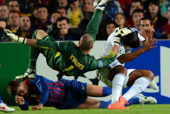 La peor parte se la llevó el defensor español que quedó inconciente en e...