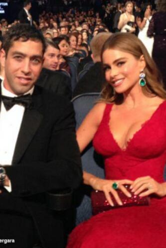 Sofía y Nick, sentaditos viendo el Emmy.Mira aquí lo último en chismes.