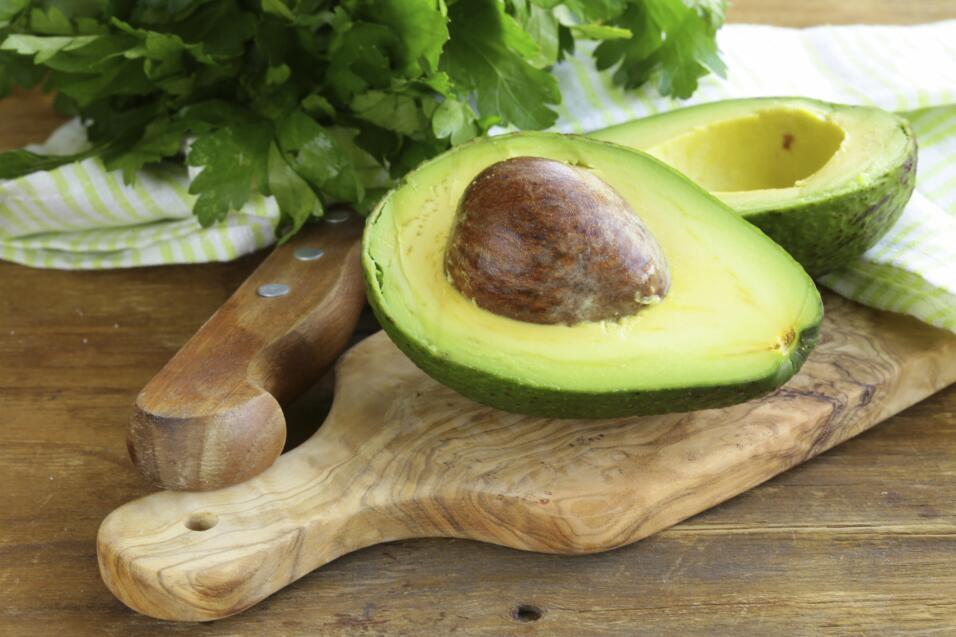 Otro alimento rico en cobre es el aguacate, además de favorecer la fabri...
