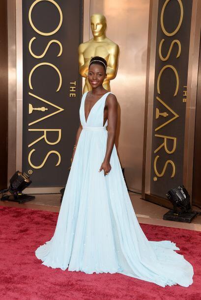 Lupita Nyong'o brilló con un vestido azul de Prada, parecía una princesa.