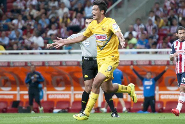 Raúl Jiménez (8).- Se reencontró con el gol, lo cua...